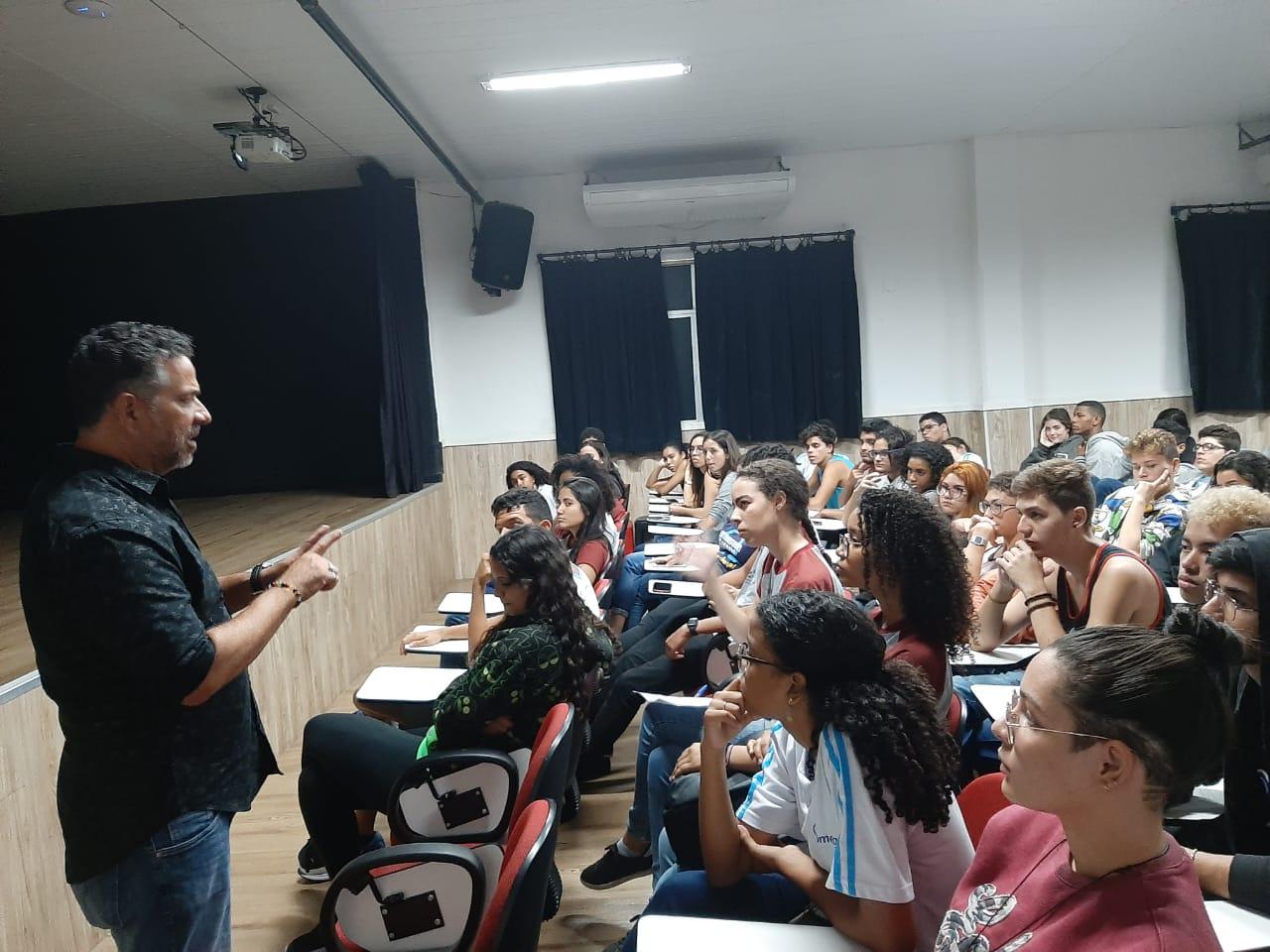 Aulão sobre Nazifacismo com  Prof. Ricardo Carvalho