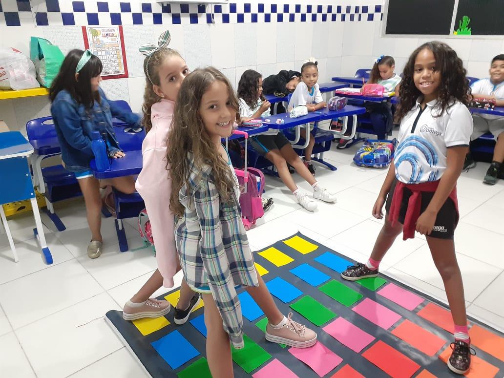 Revisando as cores em Inglês – 4º Ano C